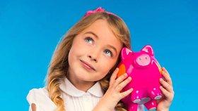 """Rodiče dětem často """"vykrádají"""" prasátka, polovina z nich peníze nevrací"""