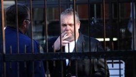 Krejčíř odrazil útok štíra a čelí krysám v cele, žaluje rodina ministrovi