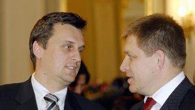 Slovákům hrozí předčasné volby. Fica opustil koaliční partner