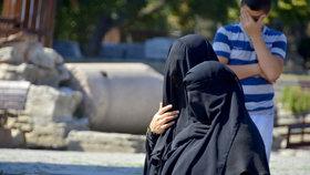 Muslimové ve světě přečíslí křesťany. Odborníci už znají rok zlomu