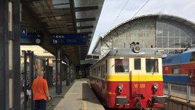 Z Prahy má do středních Čech jezdit více vlaků. Nově i o víkendových nocích