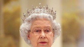 Jaký je zdravotní stav britské královny? Buckinghamský palác prolomil mlčení