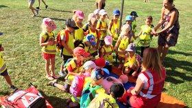 Jak dát první pomoc dítěti? Nuselská radnice připravila pro veřejnost kurz