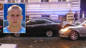 Zběsilá jízda fotbalisty Koštíře: Opilý ujížděl strážníkům, naboural šest aut