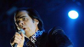 Nick Cave se ze smrti syna (†15) vyhrabává hudbou: Vrátil se na pódia a míří do Česka