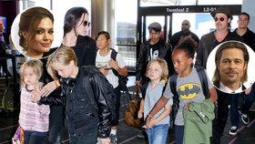 Angelina Jolie se rozvádí s Bradem Pittem a chce mu vzít všechny děti! Kolik jich vlastně mají?