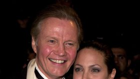 Jolie má možná příbuzné na Slovensku: Angelinu bych do rodiny bral, řekl příbuzný