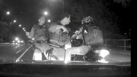 Zfetovaný motorkář ujížděl Prahou rychlostí 170 km/h: Policisté mu zatarasili cestu