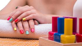 Vyzkoušeno: Jaký lak na nehty si vybrat? Gelové nejsou pro každou!