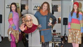 Herečky v roli modelek: Hrubešová, Stryková i Janáčková šlapaly na mole pro dalajlámu!