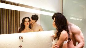 Vzrušující hrátky v každé poloze? Pořiďte si do ložnice zrcadlo!