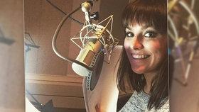 Zpěvačka Ewa Farna si ke zpívání přidala další profesi! Máme se na co těšit