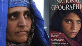 Zelenookou uprchlici z obálky časopisu deportovali. Měla prý falešné doklady