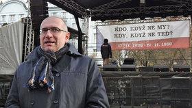 Zemanovci sebrali studentům heslo listopadu. Rektor Bek: Chystají revoluci?