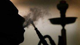 Žádné výjimky pro vodní dýmky! žádá výbor. Zakáže protikuřácký zákon i je?