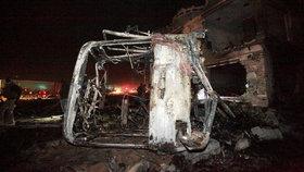 Sebevražedný atentátník se odpálil v autě u trhu. Zabil 13 lidí, 50 zranil