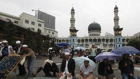 Radikální islám se šíří Čínou. Úřady zabavili pasy milionům muslimů