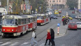 Mezi Klárovem a Újezdem nepojedou měsíc tramvaje: Co to znamená pro cestující?