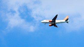 Ostuda: Britové postavili za 8,5 miliardy letiště. Kvůli větru tam nejde přistát