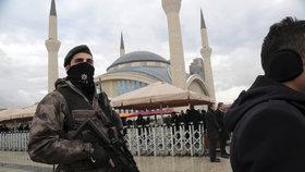Turecko po útoku v Istanbulu zadrželo přes 500 lidí. Mezi nimi i poslance
