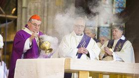 Češi začali trochu víc věřit v Boha. Podle průzkumu je jich 35 procent