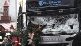 Jeho kamion zabil v Berlíně 11 lidí včetně Češky. Teď chce Polák odškodnění