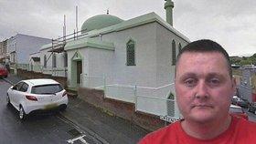 Znesvětil mešitu a zemřel ve vězení. Záhadnou smrt Brita prošetří ombudsman