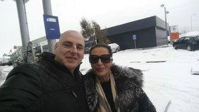Zkrachovalá milionářka Mojsejová (58) na fotce se zajíčkem (27): Už se mluví o svatbě!
