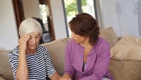 Pečujete o nemocného příbuzného? ČSSD navrhuje 2 roky neplacené dovolené