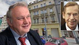 Ransdorf bude mít v Praze knihovnu jako Havel. Nasbíral 50 tisíc svazků