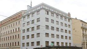 Začíná rekonstrukce nové polikliniky na Letné: Zavřela lékárna, provoz přeruší zubaři