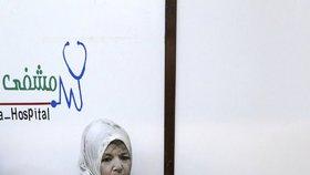 Koktání, pomočování i sebevraždy. Dětem v Sýrii hrozí nenávratné poškození