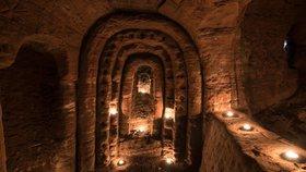 """Fotograf vlezl do """"králičí nory"""". Našel jeskyně templářů a svatyni černé magie"""