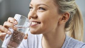 Vyhněte se jarní únavě, pomáhá pitný režim