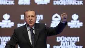 Erdogan vyhrožuje Evropě: Změňte postoj, jinak nebudete v bezpečí