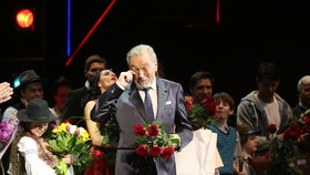 Premiéra muzikálu Čas růží: Gott si zazpíval spolu s herci! Co jim popřál?
