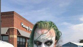 Joker s mečem terorizoval lidi ve Virginii, skončil za mřížemi