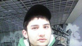 Policie v bytě útočníka z metra: K vraždění ho možná navedl ISIS