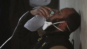 """Asad chystá další chemický útok, tvrdí USA. """"Tvrdě zaplatíte,"""" hrozí armádě"""