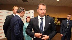 Policie vystřelila na místopředsedu slovenského parlamentu. Kvůli rychlé jízdě