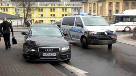 Adrenalinová honička na Liberecku: Zloděj auta najel na policistu