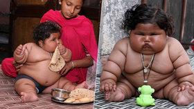 Indická holčička je pořádný cvalík: V osmi měsících váží 17 kilo!