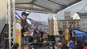Máte kapelu a chcete s ní vystupovat? V Praze 10 můžete na Mezinárodním dni hudby