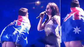 Finále Eurovize narušil fanoušek: Vystrčil do kamery nahý zadek! Policie ho již zadržela
