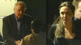 Konec sporů? Angelina Jolie šokovala, po letech s otcem zašla na večeři!