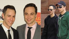 Sheldon z Teorie velkého třesku se oženil! Herec si vzal dlouholetou lásku
