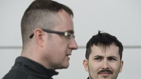 Češi dostali v Řecku tři roky podmíněně. Za focení vojenských budov