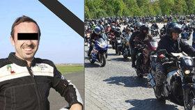 Pohřeb instruktora bezpečné jízdy: Lukáše vyprovodila do nebe spanilá jízda stovek motorkářů