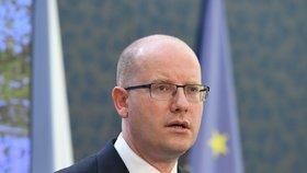 Konec Sobotky v ČSSD? Premiér odmítá zvěsti o odchodu komentovat