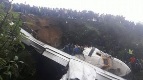 České letadlo havarovalo na nejnebezpečnějším letišti světa u Everestu: Pilot nehodu nepřežil